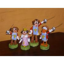 Mickey Mouse Los Tres Mosqueteros Adorno En Porcelana Fría