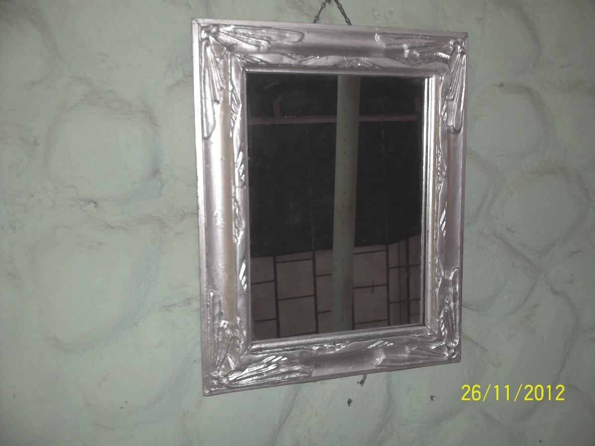 Antiguo espejo c marco de madera y yeso pintado de - Espejos marco plateado ...