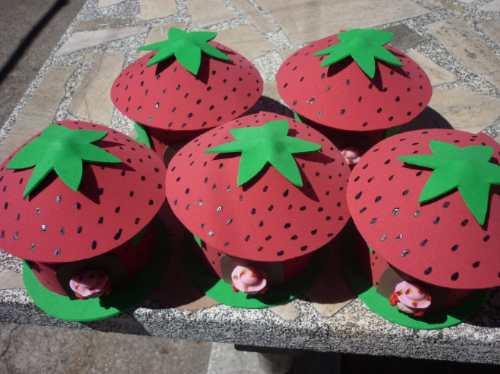 Como hacer cotillon para cumpleaños de frutillita - Imagui
