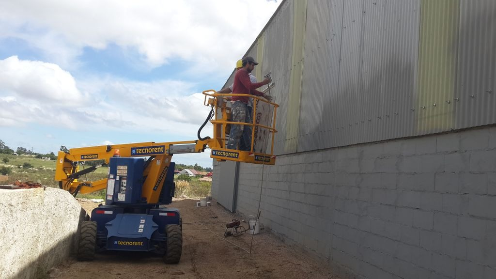 Empresa de construcci n y demoliciones galpones for Construccion de galpones