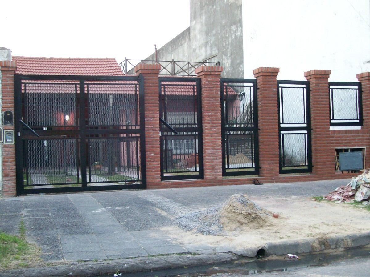 Herreria en gral rejas portones escaleras perimetrales for Rejas y portones