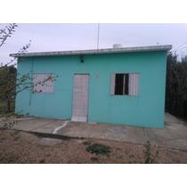 Casa De Un Dormitorio, Living-comedor, Cosina Y Baño