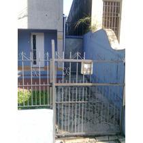Casa Con Entrada Lateral Amoblada Para 3 O 4 Personas; Salto
