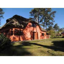 Hermosa Casa Con Jardín Y Piscina Climatizada En El Pinar