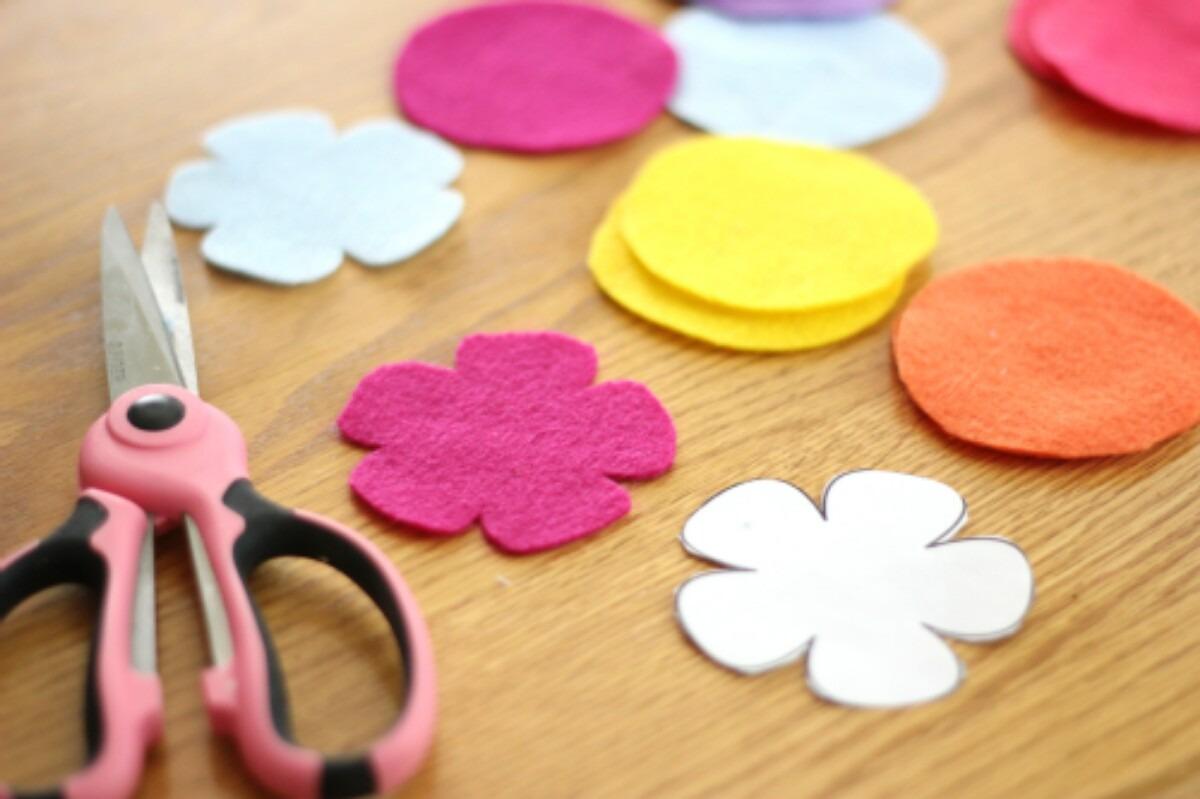 como hacer flores de tela aprender manualidades es